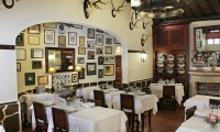 food-and-wine-tours-in-portugal-of-restaurant