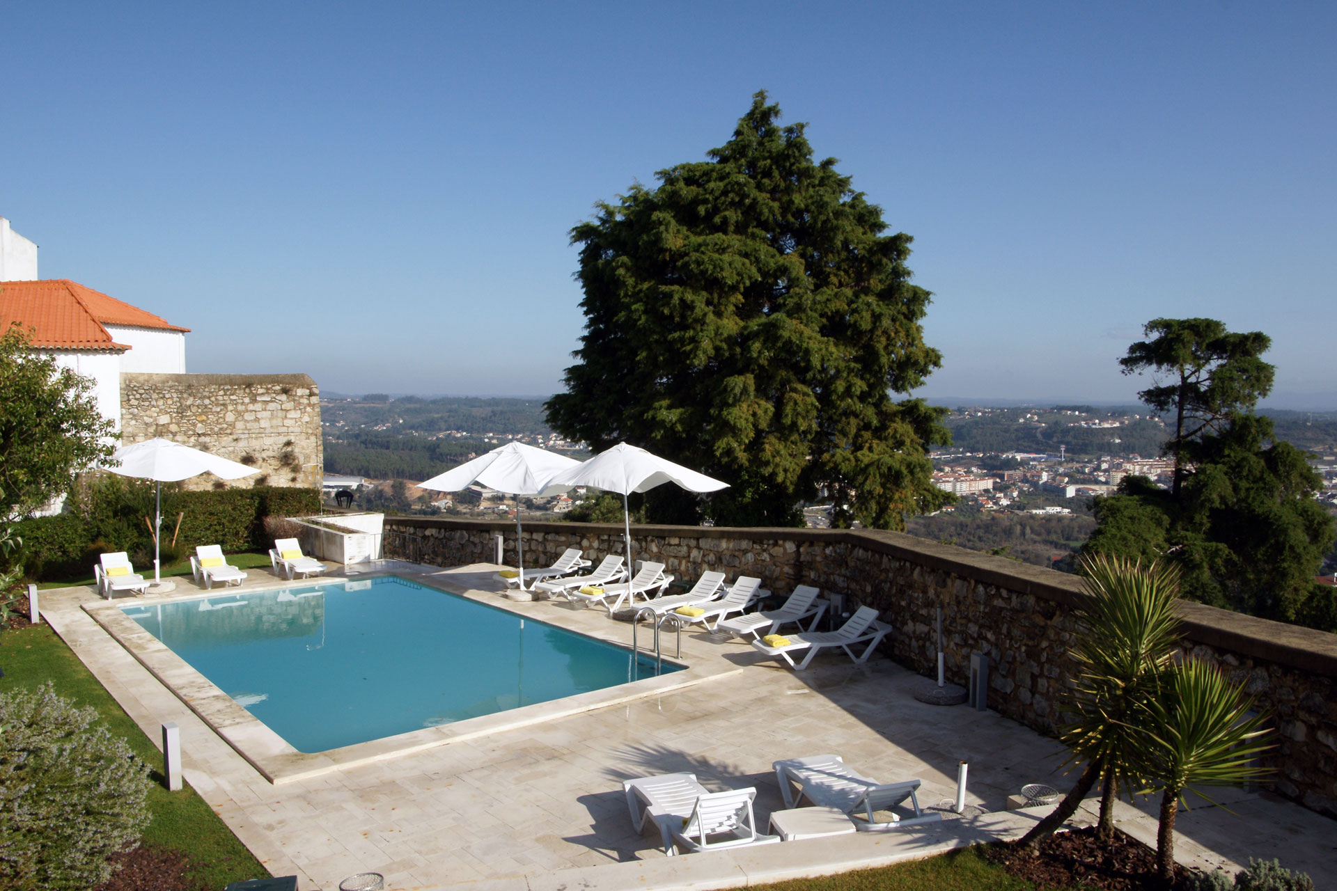 luxury-hotels-in-portugal-pousadacondedeourem