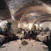 wine-tasting-in-portugal-cle-restaurant