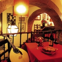 wine-tasting-in-portugal-cfd-restaurant